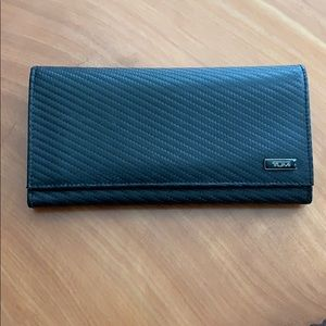 Tumi RFID wallet - authentic